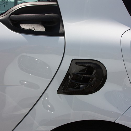 This is the Side Air Intake Scoop for Smart Fortwo 453 in carbon finish.