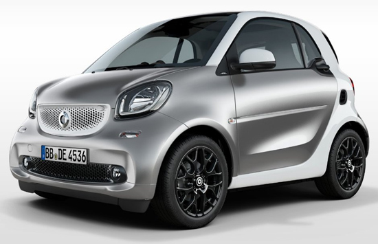 This is the new Smart Fortwo 453 in silver color