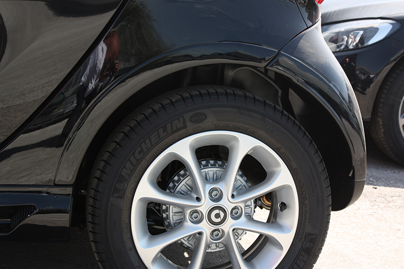 Make your Smart Fortwo 453 wider by installing the Smart Power Design's Fender Flares in Black Acrylic color.